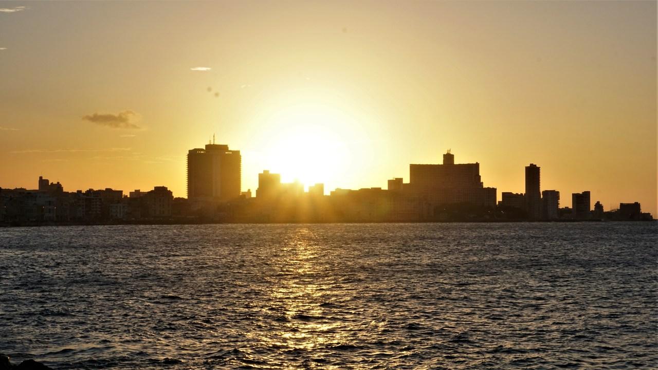 Upał na Kubie, Hawana, Malecon