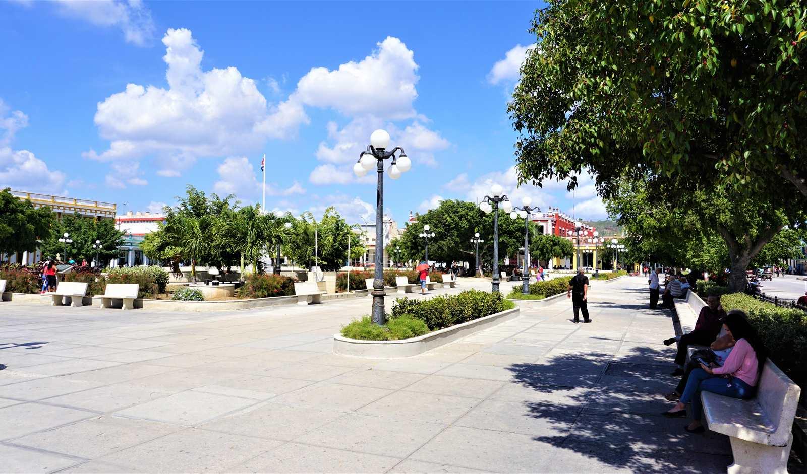 Parque Calixto Gacia w Holguin