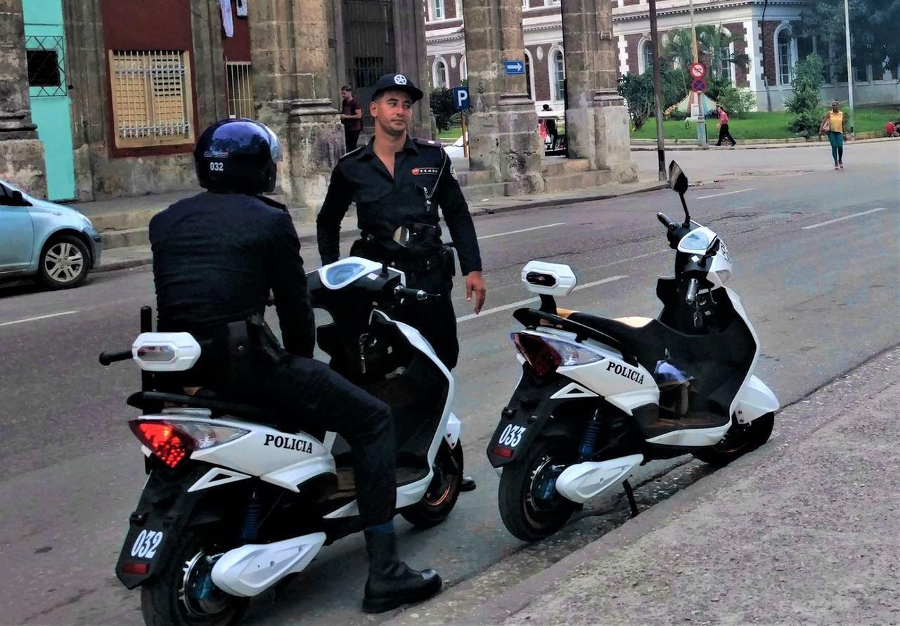 Policja na Kubie