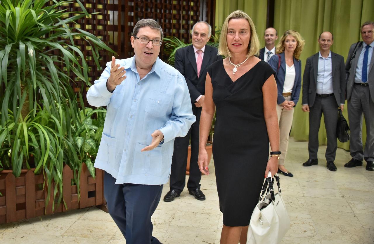 Bruno Rodriguea Parrilla, kubański minister spraw zagranicznych i Federica Mogherini, wysoki przedstawiciel UE do spraw zagranicznych i polityki bezpieczeństwa.