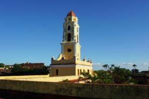 wieża klsztoru św. Franciszka z Asyżu